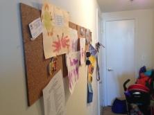 Sieht langsam nach einem zu Hause aus! Adding some color to this white wall.