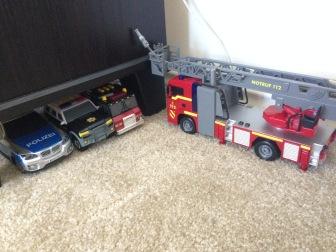 Feuerwehrstation? Ladder one?