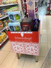 German cosmetics brand adds a touch of Christmas. Deutsche Kosmetikfirma sorgt für weihnachtliche EInkaufsstimmung