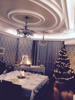 Very Christmasy at our (German) friends' house. Bei unseren deutschen Freunden zu Gast. Photo credit: M. Bragg